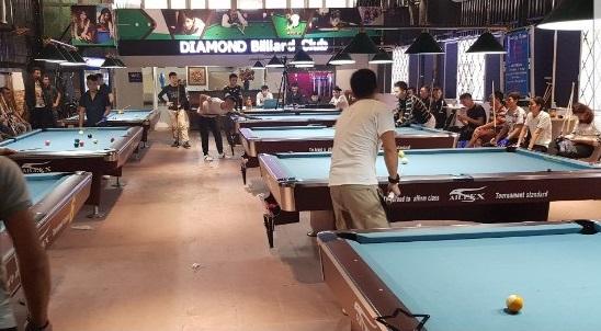 Billiards Hoàn Thúy lắp 7 bàn bi a 9018 aileex tại Long Biên, Hà Nội